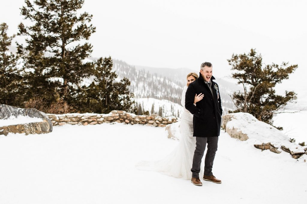 elopement first look at Sapphire Point Overlook