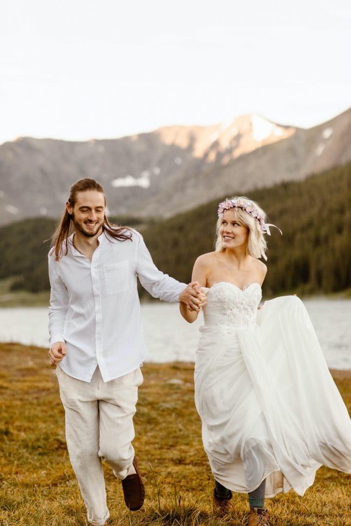 lake wedding photos of a couple in the summertime in Colorado