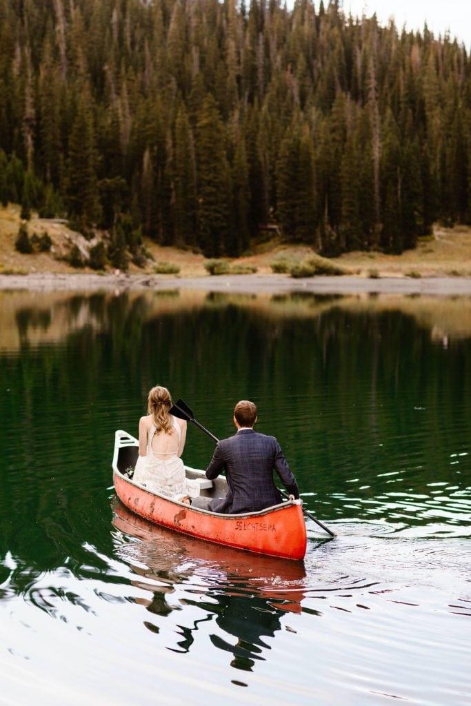 Crested Butte elopement adventures | red canoe wedding photos