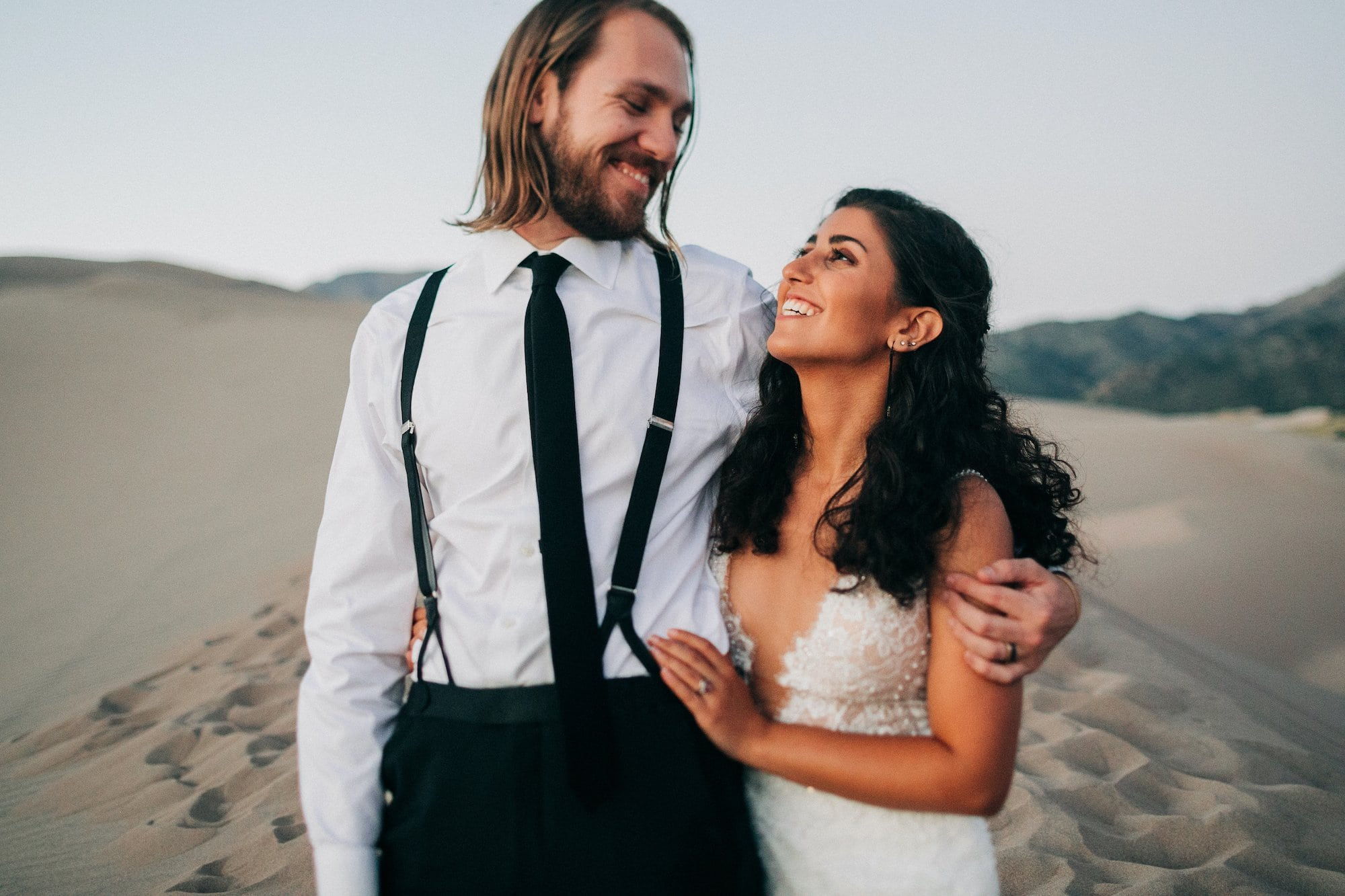 How to Elope podcast hosts