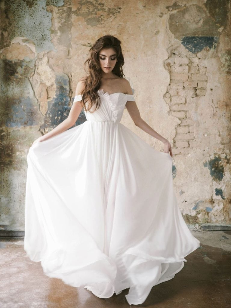 chiffon off-shoulder sleeveless goddess gown