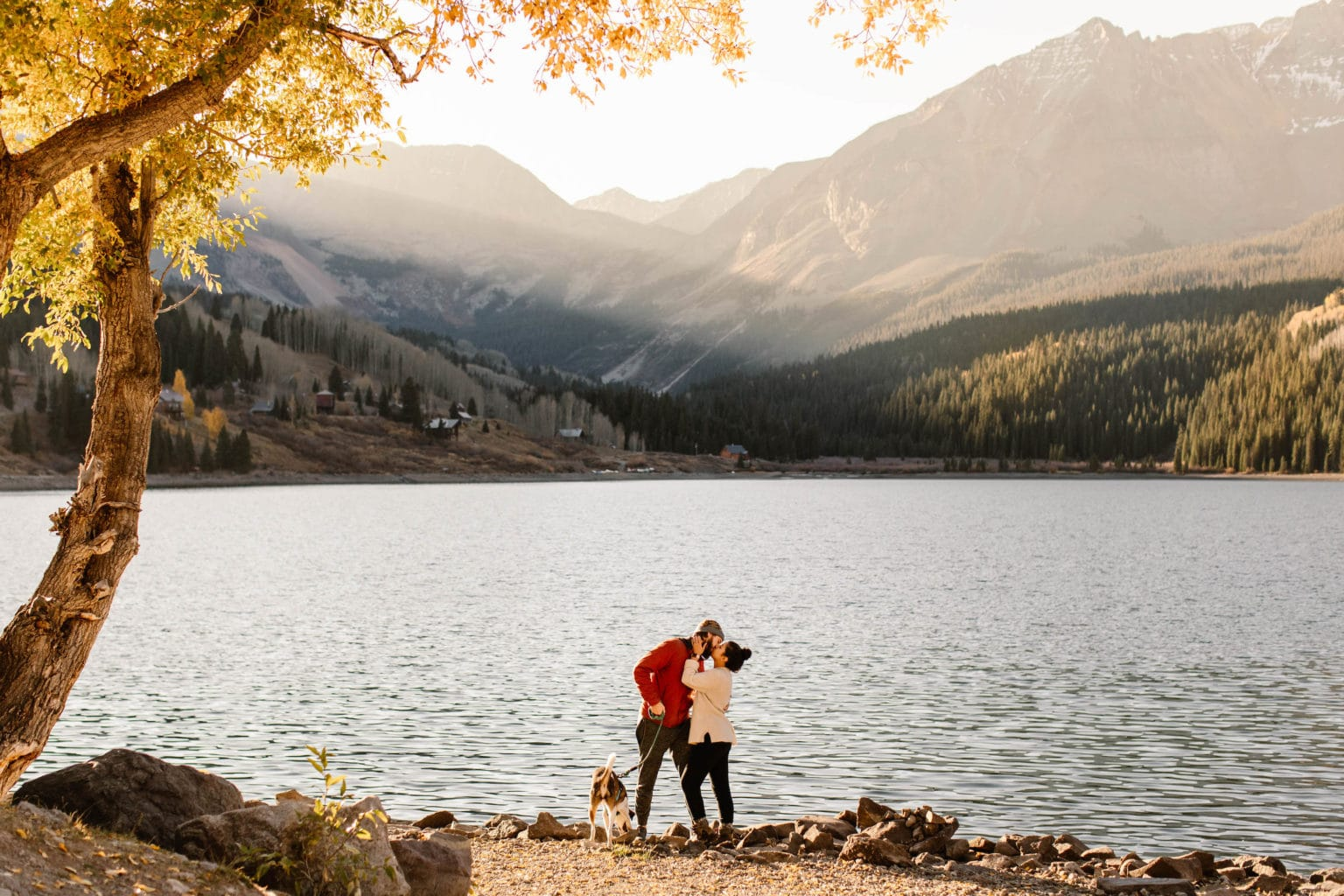 romantic and cute fall date ideas for cozy time together